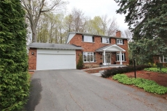 Real Estate Listing   15 CHESSWOOD COURT Nepean